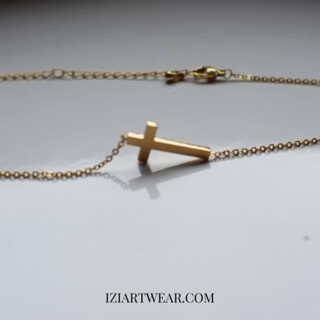 Naszyjnik z zawieszką krzyżyk