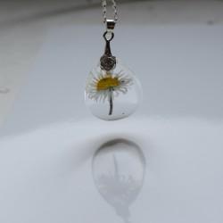Naszyjnik Stokrotka zatopiona w żywicy srebrny
